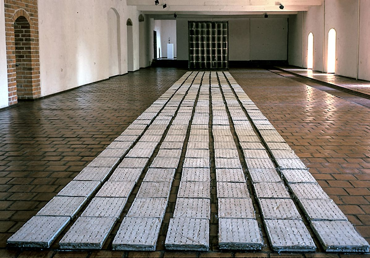 01 Demarcation of an Image, Ram, Zamek Gallery, Reszel, 1999_mini