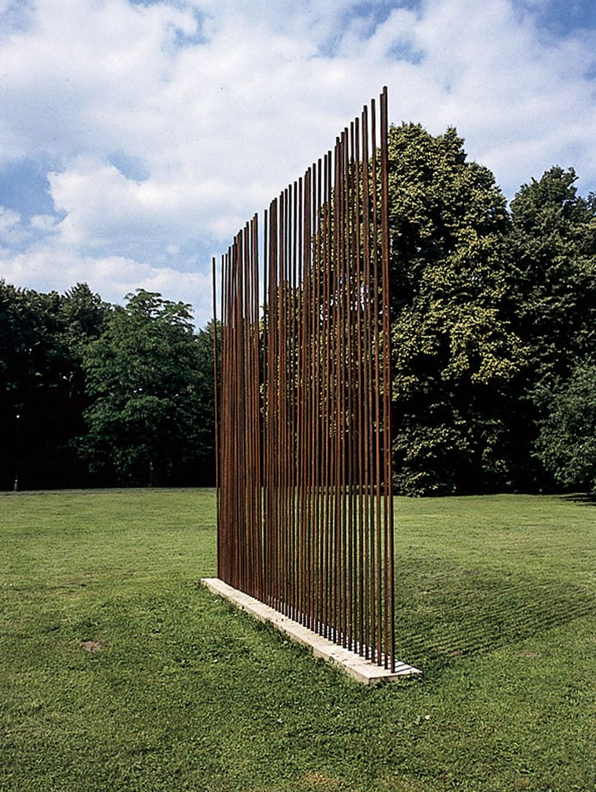 02 Demarcation of an Image, Museum of Sculpture of X. Dunikowski, Warsaw, 1999_mini